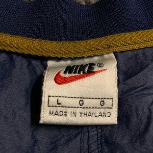 Jackets & Coats - Vintage Nike Windbreaker